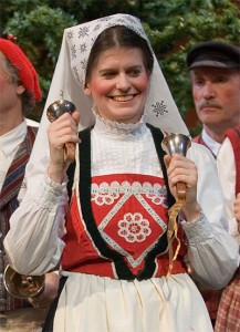 Helen Fields in the 2005 Northlands Christmas Revels